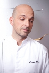 Claudio Urru kocht auf Burg Schwarzenstein