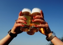 Durstlöscher ohne Reue: alkoholfreies Bier und Fassbrause