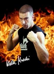 Kalte Muschi sponsert Boxverband IRBF und steigt in den Ring