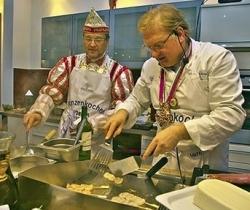 Duisburger Karnevalsprinz kochte im EventKochstudio auf dem Großmarkt