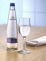 Adelholzener: neues Classic Glas und Seminare