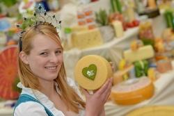 Bayerische Milchhoheiten auf Spezialitätentour durch Bayern