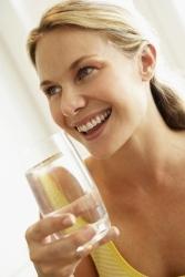 Trinkwasser nur selten im gastronomischen Angebot: Gäste scheuen sich zu fragen