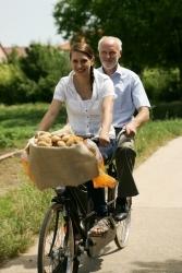 Grumbeer-Botschafterin Miriam Welte läutet Frühkartoffel-Saison ein