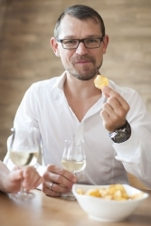 Umfrage: Weintrinker mögen es lieber salzig als süß