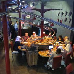 RollercoasterRestaurant in Kuwait feiert bald einjähriges Jubiläum