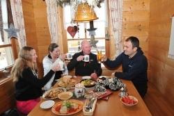 Schlemmen und Skifahren: Kulinarische Genüsse am Nassfeld