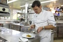 Über den Wolken: Harald Wohlfahrt kocht Menüs für Lufthansa