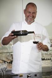 TV-Koch Frank Rosin stellt eigenen Rotwein vor