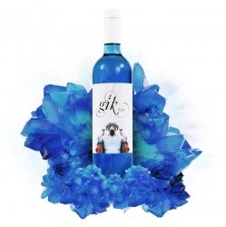 Schrill, bunt und unkonventionell – Weltweit erster blauer Wein in Deutschland