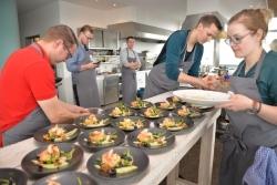 Blick hinter die Kulissen: Junge Spitzen-Gastronomen zu Gast bei Deutsche See
