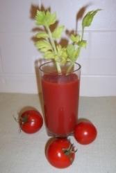 Rätsel um Beliebtheit von Tomatensaft im Flieger gelüftet