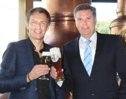 Kooperation verlängert: Veltins und Gebrüder Maisel arbeiten weiter zusammen