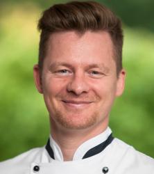 Neu am Herd: Enrico Pietrzak ist Küchenchef im Naturresort Schindelbruch