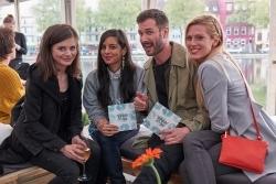 Mit Promis: Aldi Süd eröffnet Pop-up Bistro am Kölner Mediapark
