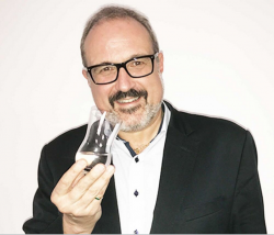 Spirituosen-Spezialist: Jürgen Deibel entwickelt Gin & Tonic Tasting Glas