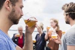 Volksfest: Störtebecker ist neuer Partner des Hamburger Alstervergnügens