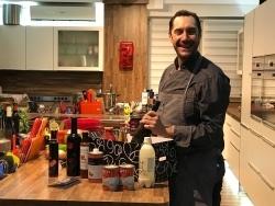 Umtriebig: Fernsehkoch Mirko Reeh präsentiert Gourmet-Box und Best-Of-Kochbuch