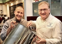 Catering: Frank Schwarz holt Sternekoch Roger Achterath ins Team
