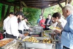 Schlemmen im Tierpark: Zoo Osnabrück bietet Vollmond-Barbecue an
