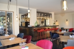 100 Tropfen im Angebot: Zeller-Hotel + Restaurant eröffnet Emmas Weinbar