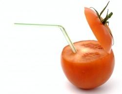 Warum trinken wir Tomatensaft im Flugzeug?
