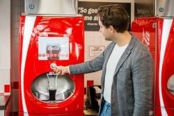 Individueller Mix: Coca-Cola baut Freestyle-System in Deutschland aus