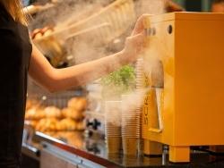 Wasserdampf voraus: Scraegg stellt neues Dessert auf der Intergastra vor