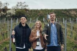 Schweighöfer & Co.: III Freunde Wein präsentiert neuen Jahrgang