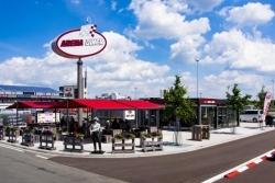 Motorsport Arena Oschersleben: Arena Diner erstrahlt in neuem Glanz