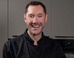 Virtuelles Schmankerl: TV-Koch Mirko Reeh bietet festlichen Online-Kochkurs an