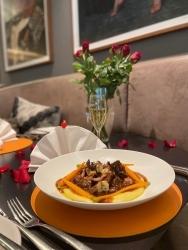Sofitel Opera Frankfurt: Restaurant Schönemann bietet Soulfood für zuhause