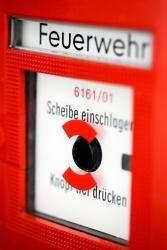 Brandgefahr in Gastronomie und Hotellerie: Spezielle Versicherungen schützen
