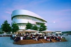 Sarah Wiener übernimmt Gastronomie im Mercedes-Benz Museum