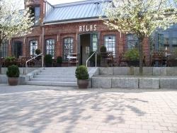 Atlas eröffnet Phoenixhofküche